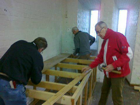 0100: 6 maart 2012: begin werkzaamden